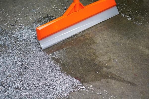 Floorblade Spill